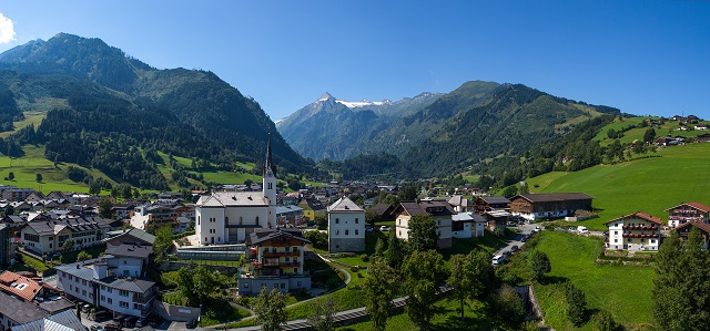 kaprun_city_panorama1-2013-eagle-eye_web