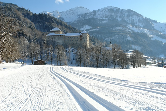 castle_kaprun_in_winter