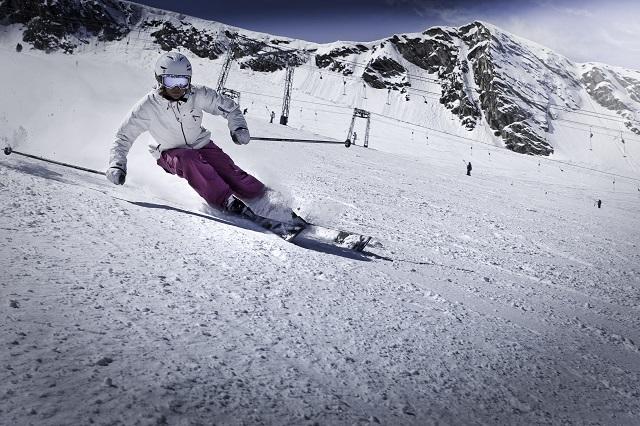 kitzsteinhorn_skifahrerin